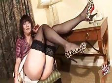 Sexy Japanese Ladyboy Mama-san Yuuki Tominaga
