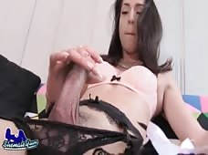 Beautiful Big Cock California Tgirl GiaXXX Stroking Her Sexy Shaft