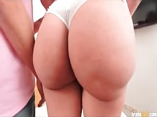 Bubble Butt Brazilian Babe Renatta Has her Asshole Reamed